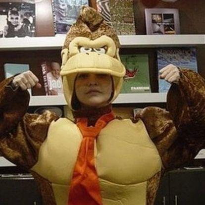 Palvin Barbi Donkey Kong jelmeze zavarbaejtő