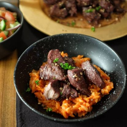 A hónap receptje: a ciprusi afélia (vörösboros sertésragu)