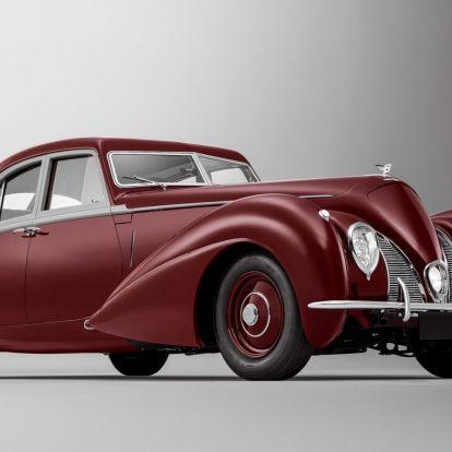 Történelmének hiányzó darabját építette meg újból a Bentley