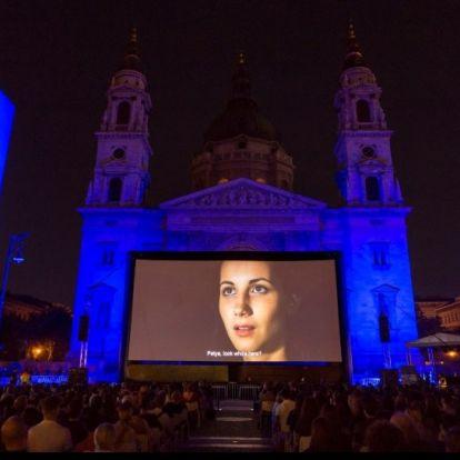 Ingyenes szabadtéri mozizás a Bazilikánál – jön a 3. Budapesti Klasszikus Film Maraton