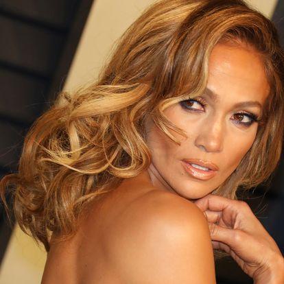 Így tartja karban magát Jennifer Lopez: 50 éves, de van mit letagadnia a korából