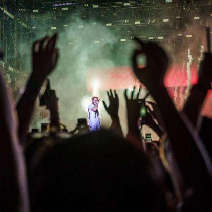 Pizsamás forradalmár – Post Malone zárta a nagyszínpados fellépők sorát a hétvégén