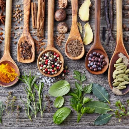 10 fűszer, ami segít a fogyásban