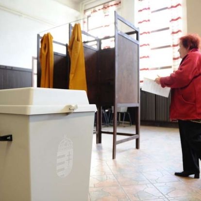 Újabb kérdésekben kezdeményeznek népszavazást