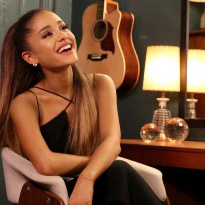 Ariana Grande megmutatta valódi göndör haját