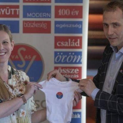 Vívás: megszülettek Szász-Kovács Emese ikrei