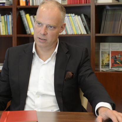 Levélben kért helyreigazítást a londoni magyar nagykövet egy antiszemitázó cikk miatt