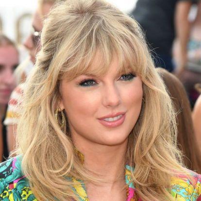 Túl sokat kellett várni Taylor Swiftre, ezért pizzát küldött a rajongóinak