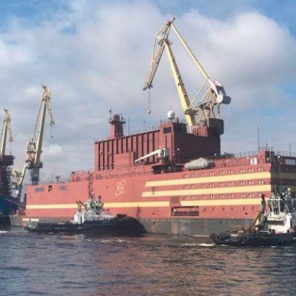 Csernobil a jégen? A világ első úszó atomerőműve elindult állomáshelyére Oroszországban