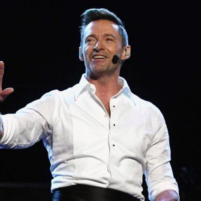 Hugh Jackman félbeszakította koncertjét, hogy súlyos beteg rajongóját felhívja a színpadra