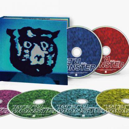 Az R.E.M. Monster című lemeze CD-dobozban és vinylen