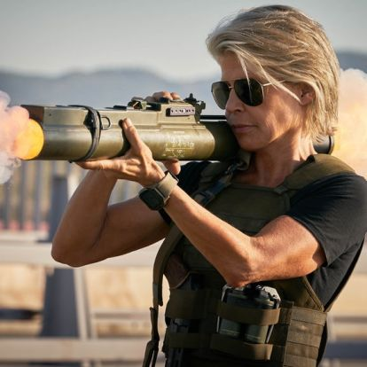 Linda Hamilton történelmet ír: íme, az első 60 feletti akcióhősnő!