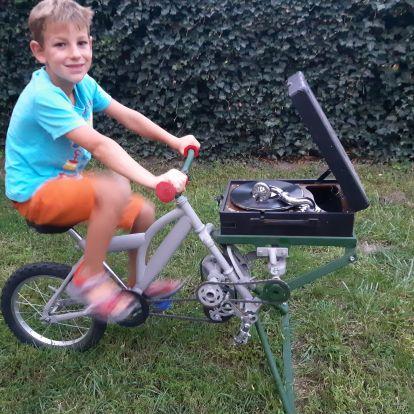A roncstelepről mentették ki ezt a bringát, csodát tettek vele, és keresik a gazdáját