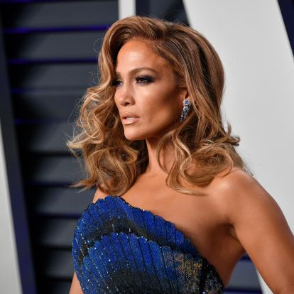 Jennifer Lopez's Blonde Bob At The 'Hustlers' Premiere Will Convince You To Go Lighter For Fall