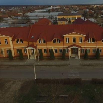 Magyar kormánytámogatással újult meg a nagydobronyi líceum