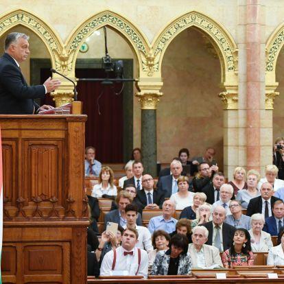 Orbán Viktor szókészletében megjelent a magasabb rendű élet