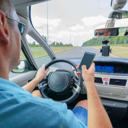 Hétfőtől aztán tényleg ne mobilozzon vezetés közben!