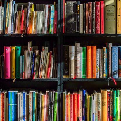 Könyvtárbuszt adtak át Egerben
