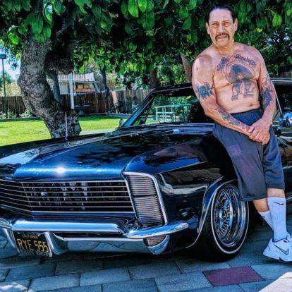 Danny Trejo tortával ünnepelte, hogy 51 éve nem iszik, nem drogozik