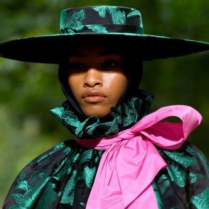 A legszebb és legmerészebb ruhák a londoni divathéten | Elle magazin