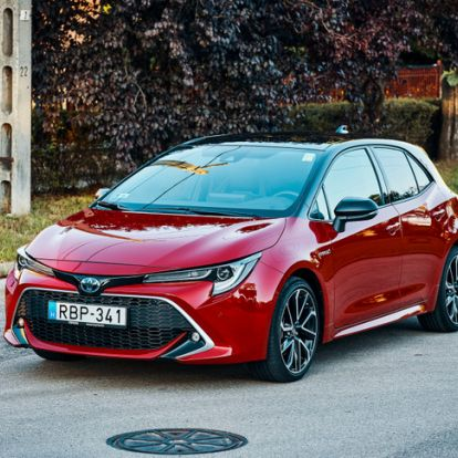 Hibridnek király, de autónak? - Toyota Corolla Hybrid Dynamic Force – 2019.