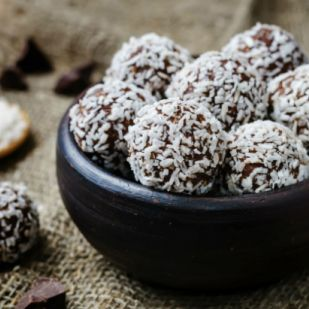 Megunhatatlan kókuszgolyó – ha egy villámgyors édességre vágynál
