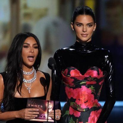 Kardashian-søstrene blelatterliggjort fra scenen- på Twitter ble det virkelig ille