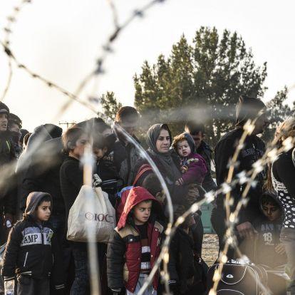 """Fidesz: A """"bevándorláspártiak"""" mielőbb át akarják nyomni a migránskvótát a tagállamokon"""