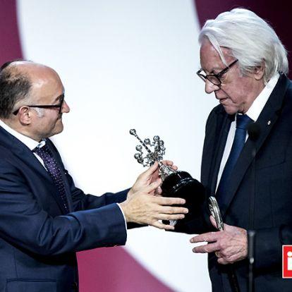 Un emocionado Donald Sutherland agradece su premio Donostia en vasco