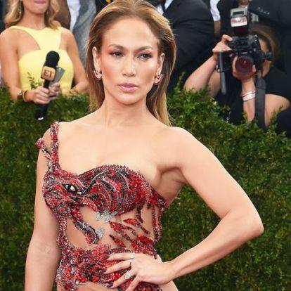 Jennifer Lopez, a kivágott és átlátszó ruhák királynője   Elle magazin