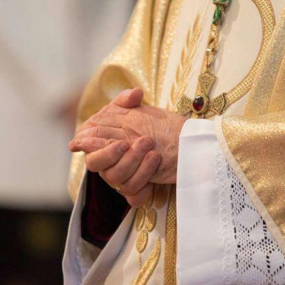 """""""Szexuális természetű viselkedése"""" miatt kényszerült lemondásra egy új-zélandi püspök"""