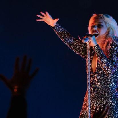 Леди Гага опять сменила цвет волос