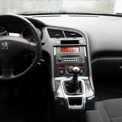 Az egyik legjobb használt hétüléses - Haasználtteszt: Peugeot 5008 1,6 HDI 115, Access – 2015.