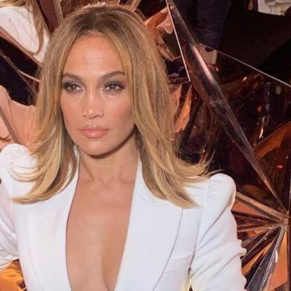Jennifer Lopez olyan fotót posztolt magáról, amitől megáll az internet
