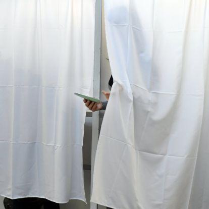 150 szavazatot levonnak mindenkitől Terézvárosban, duplán osztottak szavazólapokat