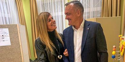 A szavazásra előkerült Borkai Zsolt, fotót is posztolt magáról és feleségéről