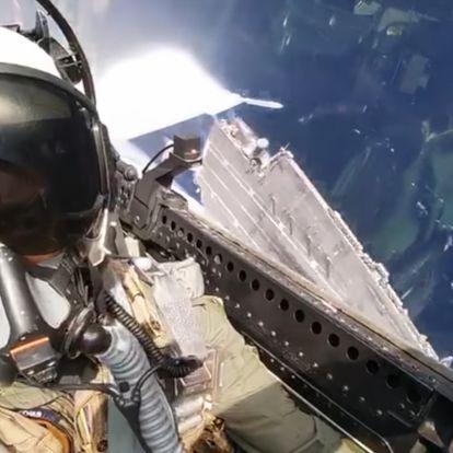 Megint egy őrületes videó az amerikai haditengerészet vadászpilótáitól