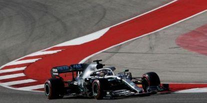 A Mercedes odatette magát a 2. edzésen – Hamilton vette át a vezetés