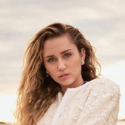 Kínzó kérdés: miért préselte magát egy mosógépbe Miley Cyrus?