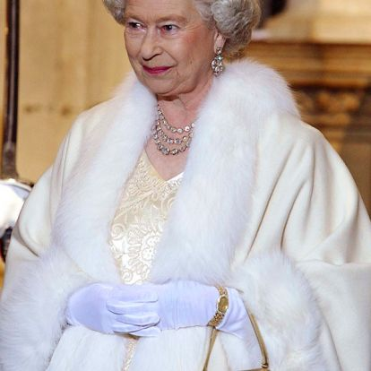 The Queen will no longer use real fur in her wardrobe