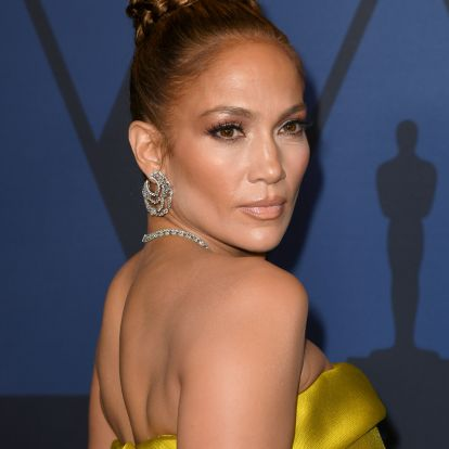 J.Lo's Green Sweater & Pants Will Convince You To Try Monochromatic Dressing For The Holidays