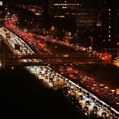 Hollandiában környezetvédelmi okokból vezetnek be sebességkorlátozást