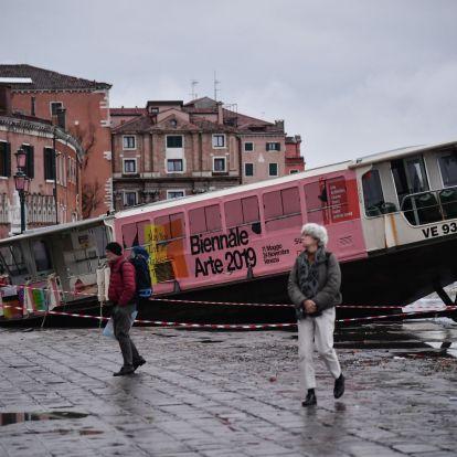 Vészhelyzet Velencében, a polgármester szerint a klímaváltozás miatt árasztotta el a városát a dagály