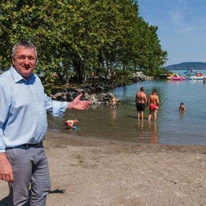 Milliókra váltotta ki nem vett szabadságát a balatonboglári fideszes polgármester is