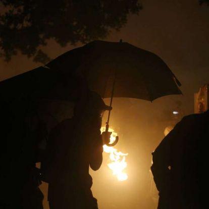 A tüntetések miatt tanítási szünetet rendeltek el Hongkongban