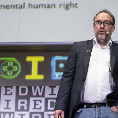 Új Facebook-riválist indított a Wikipédia alapítója