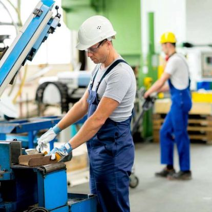 Nagy lemaradásban a kkv-k: a kormány sokadik nekifutásra próbálkozik új stratégiával