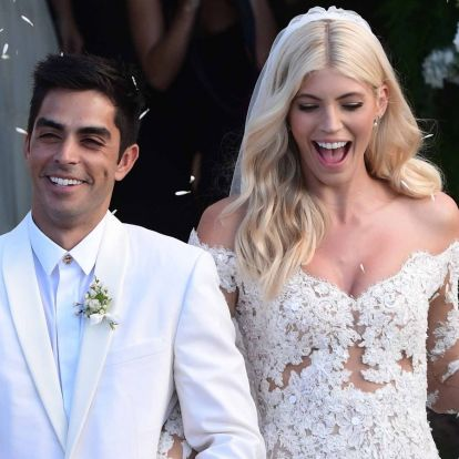 The secret model of Victoria, Devon Windsor, married in a mere dress and flats 2019