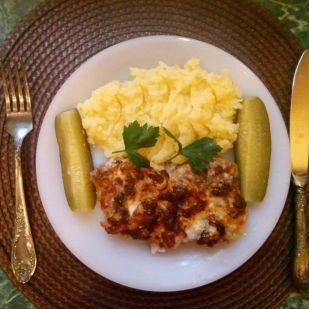 Hagymás-sajtos-majonézes tarja, tepsiben sütve