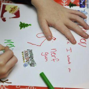 """""""Kérem vissza a gyerekkoromat"""" – a legröhejesebb karácsonyi ajándéklisták, amiket gyerekek írtak"""